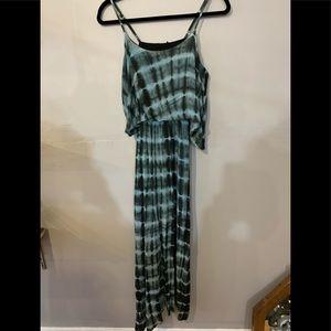 Dresses & Skirts - ❤️3/$10❤️Tie dye spaghetti strap maxi dress